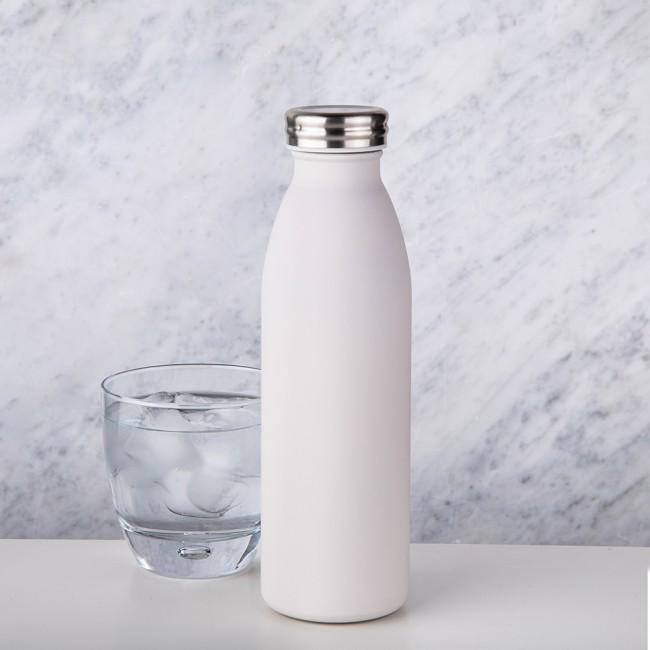 1. Di adiósa las botellas de plástico