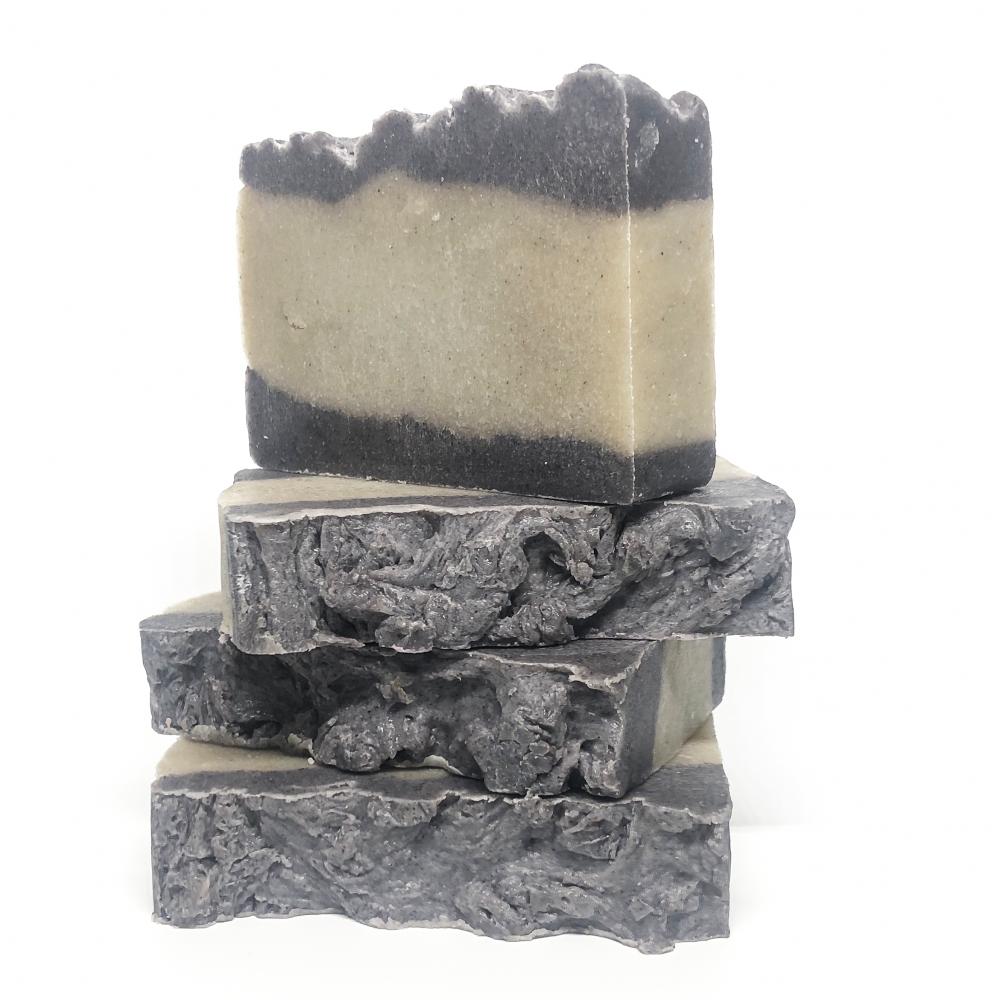 jabón artesano con piedra pómez